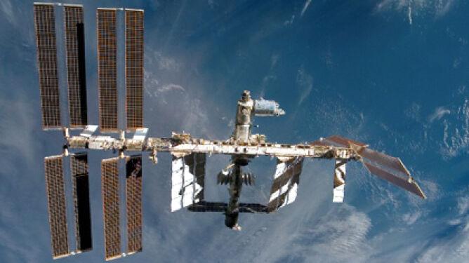 Kosmiczne śmieci o włos minęły ISS