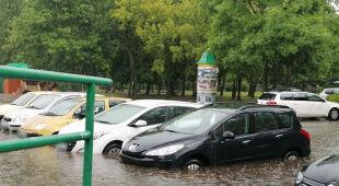 Podtopione samochody w Poznaniu (Katarzyna/Kontakt 24)
