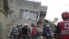 Trzęsieni ziemi na Filipinach (PAP/EPA/PHILIPPINE RED CROSS HANDOUT)